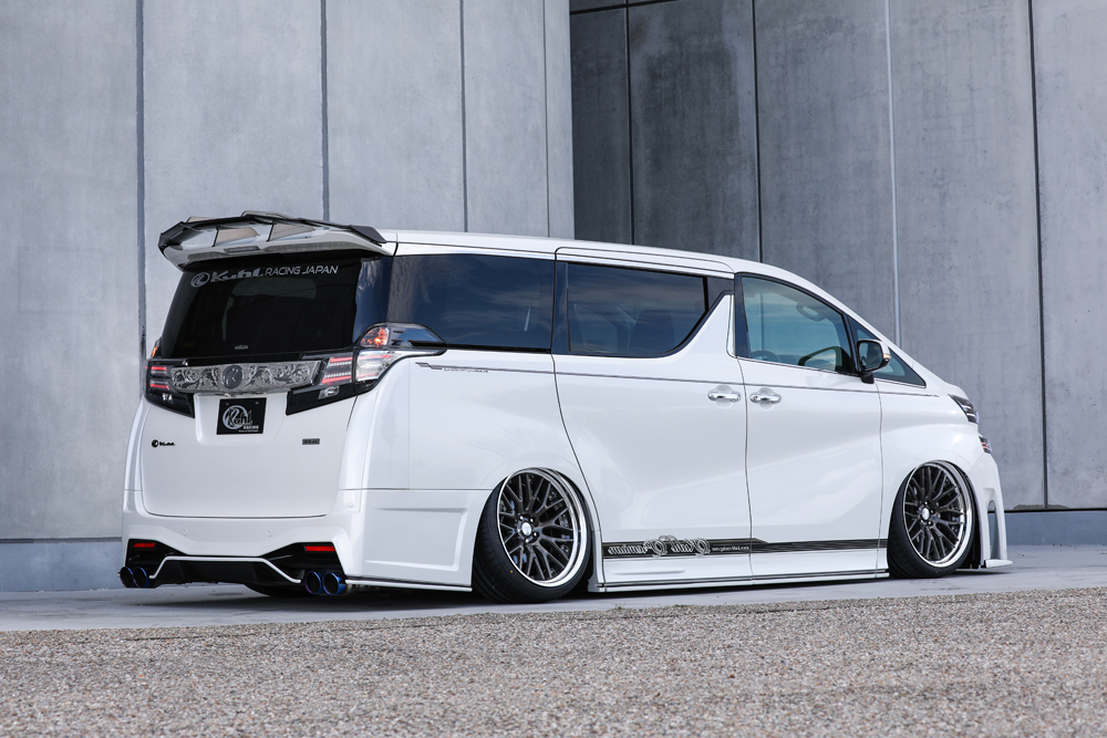 30VELLFIRE -REAR- CRYSTAL GRAY