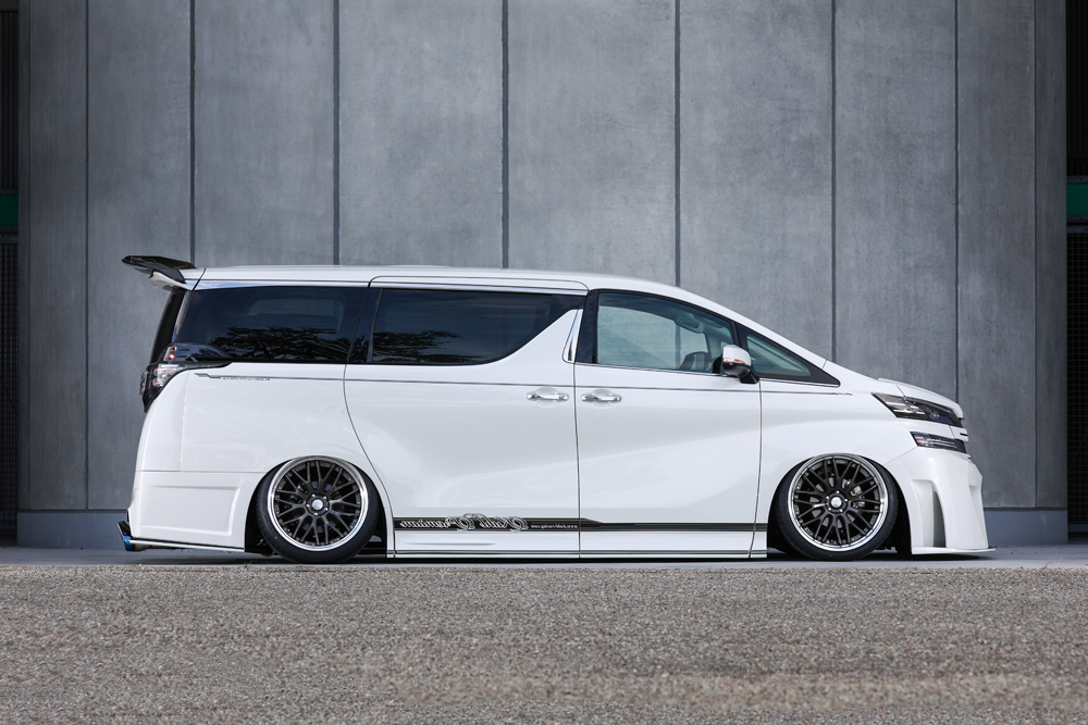 30VELLFIRE -SIDE- CRYSTAL GRAY