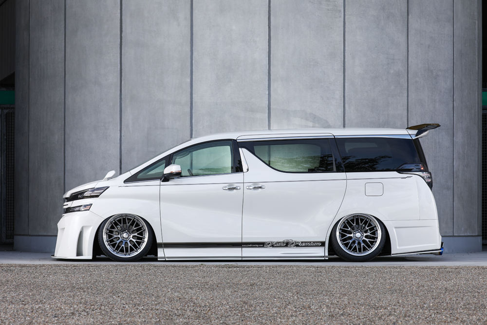 30VELLFIRE -SIDE- CRYSTAL SILVER
